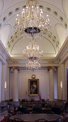 chandelier-speakers-reception-room