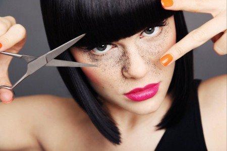 "jessie j hair cut e1299784298278 Jessie J's ""Price Tag"": It's Not About Money, It's About Mind Control"