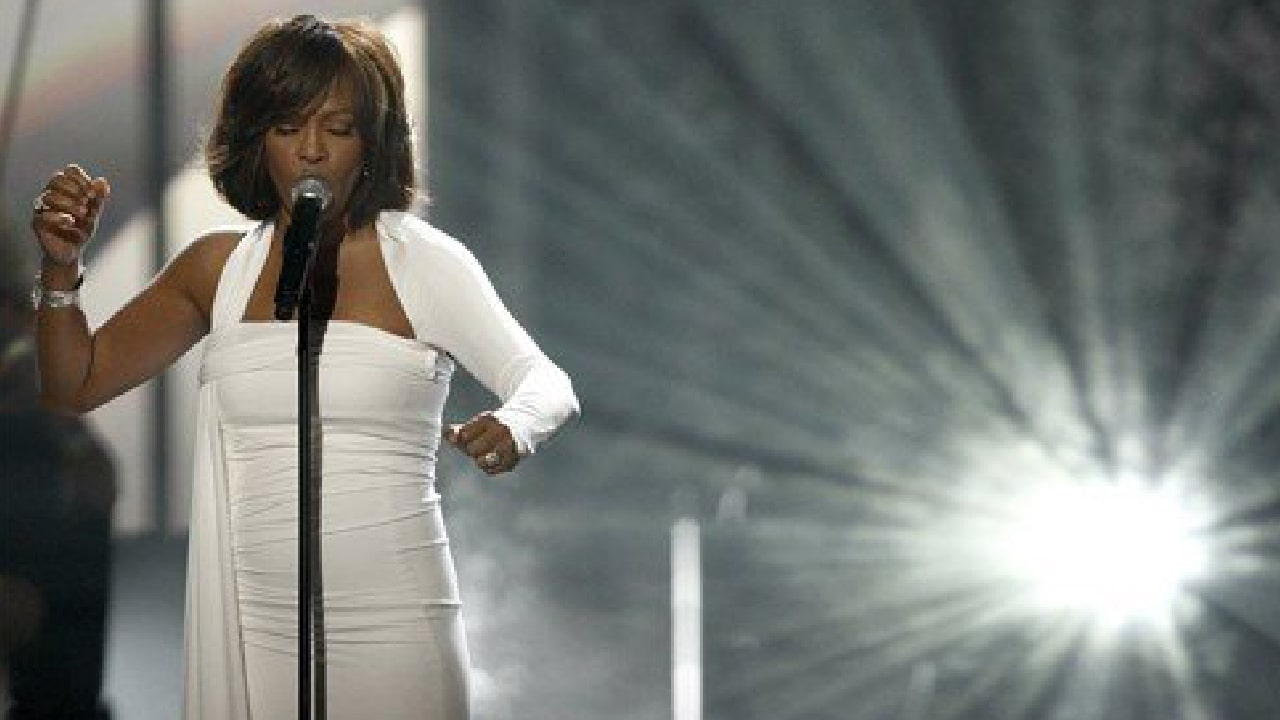 leadgrammt2012 Whitney Houston and the 2012 Grammy Awards Mega-Ritual