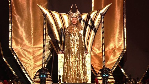 leadsuperbowl Madonna's Superbowl Halftime Show: A Celebration of the Grand Priestess of the Music Industry
