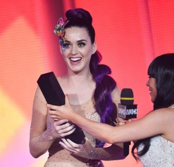 O KATY PERRY MUCHMUSIC 570 E1340413628994