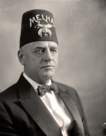 Shriners-with-Man-e1342190185258.jpg