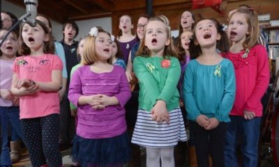 "Sandy Hook Survivors Are Made to Sing ""Over the Rainbow"" to Commemorate the Shooting"