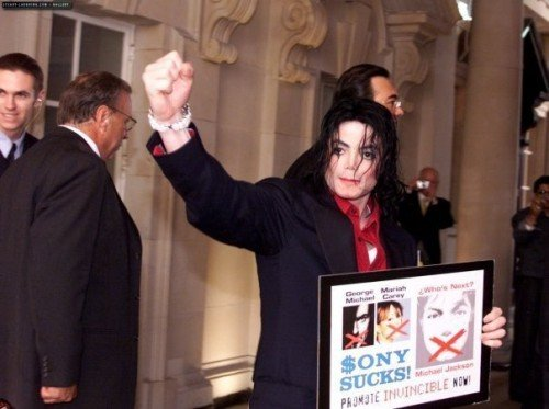 Michael Jackson Appears as Hologram at the Billboard Awards ... And is Used for Illuminati Agenda