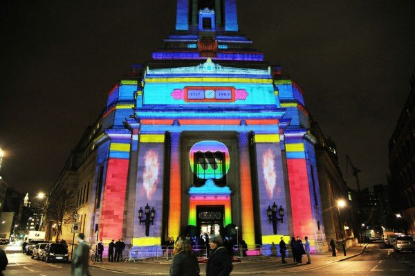 The Warner Music Brit Party 2015 took place at the Freemasons Hall on February 25, 2015 in London. The colorful lights emphasized the Masonic symbolism of the building (the twin pillars and so forth) and the entire event highlights the connection between the music industry and the occult elite.