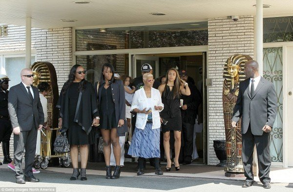 At the funeral of Bobbi Kristina Brown, a couple of mysterious Egyptian sarcohpageus were placed at the entrance of the funeral home.