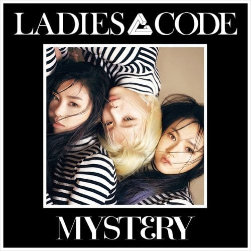 The cover of the album features the girls wearing dualistic patterns. The group also has a new logo: A tri-dimensional triangular shape that clearly evokes the number three. The title of the album also contains the number 3.