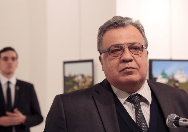2016 12 20 10 37 23 Body of assassinated Russian ambassador to Turkey flown to Moscow World CBC  El miedo, la sangre y los sacrificios humanos antes del solsticio de invierno