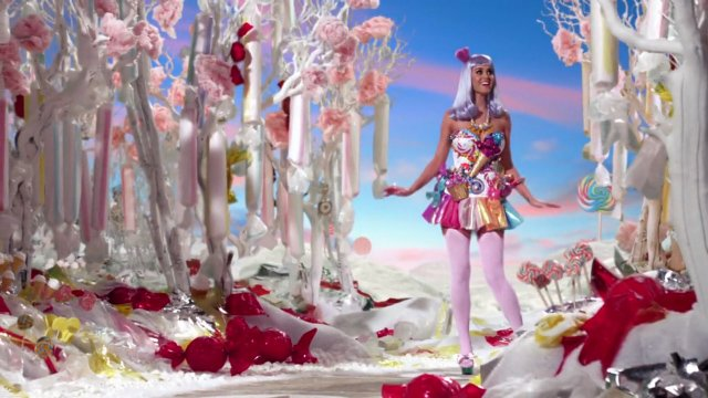"""california gurls Katy Perry's """"Chained to the Rhythm"""" Sells an Elite-Friendly """"Revolution"""""""
