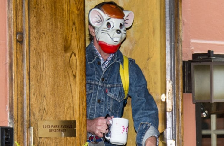 Kate Spades Husband Wears A Bizarre Mouse Mask Two Days After Her