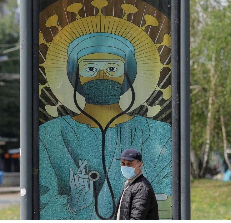 2020 05 03 09 11 16 Romanian Church condemns posters depicting doctors and nurses as saints Reuter e1588608202959 Symbolic Pics of the Month 05/20