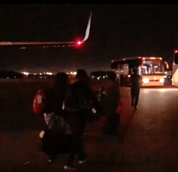 2021 06 08 16 06 39 FIRST ON 3 Late night flights carrying migrant children arrive WRCBtv.com C Why Are Planes Carrying Unidentified Children Landing in Tennessee In the Middle Of the Night?